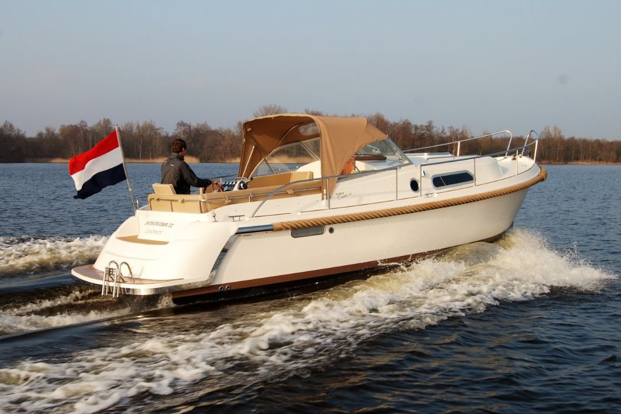 Intercruiser 32